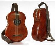 Pratesi представляет интересную новинку - это рюкзак, сделанный в форме гитары со встроенными динамиками.