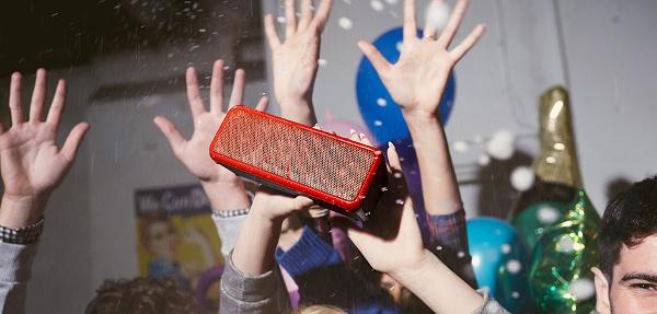 Bluetooth-колонка Sony SRSX-B2
