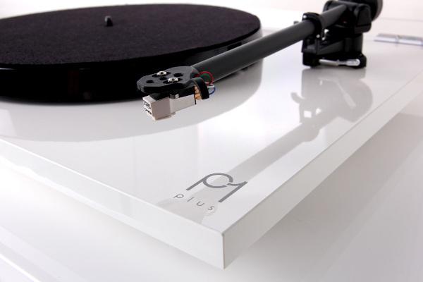 Проигрыватель виниловых дисков Rega Planar 1 Plus