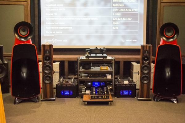 А сегодня мы слушаем OPERLY Intelligence II — новую версию «тех самых» акустических систем OPERLY, озвученную новым ламповым усилителем OPERLY 1.0.