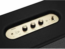 Woburn II имеет цифровые регуляторы тембра и громкости на верхней панели, кнопки включения и выбора источника и аналоговый вход 3,5 мм